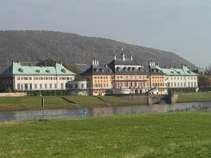 Schlosspark & Schloss Pillnitz Urlaub + Bildung
